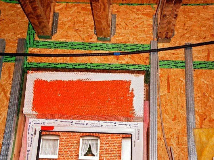 Blick auf Baustelle einer Gebäudesanierung zum Passivhaus