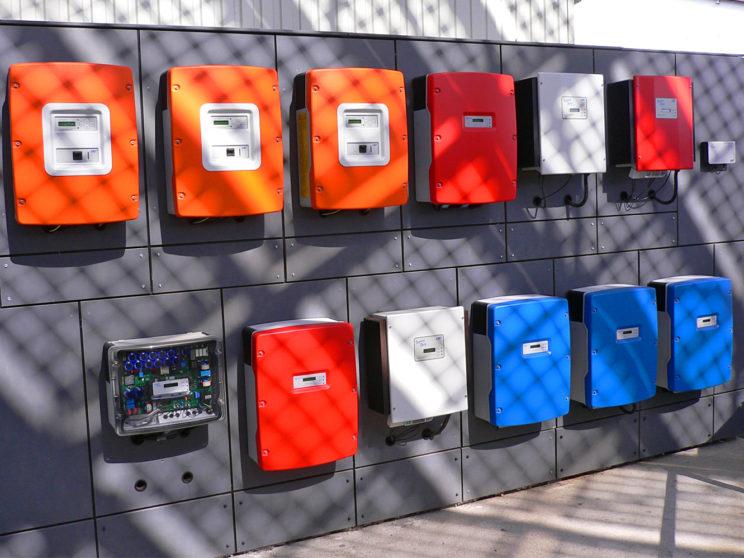Verschiedene Wechselrichter für Fotovoltaikanlagen